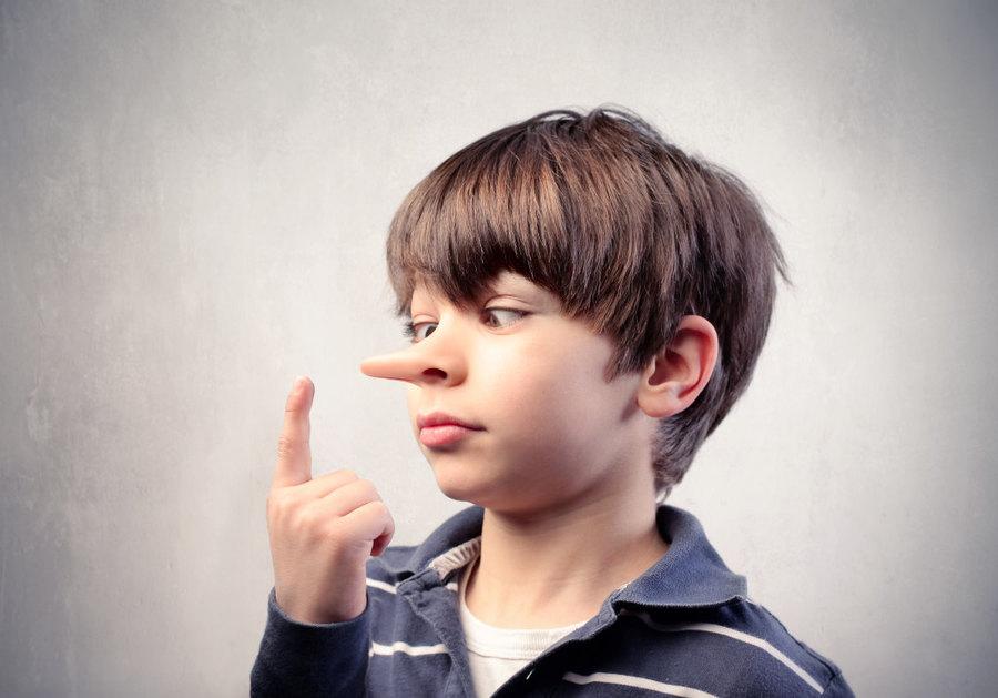 Почему ребенок лжет и как с этим справиться
