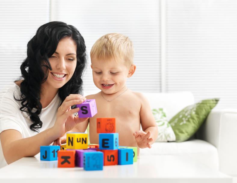 Как развить внимание у ребенка 2-3 лет с помощью игр?